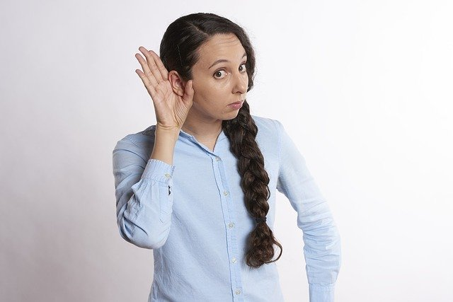 naslouchátka do ucha