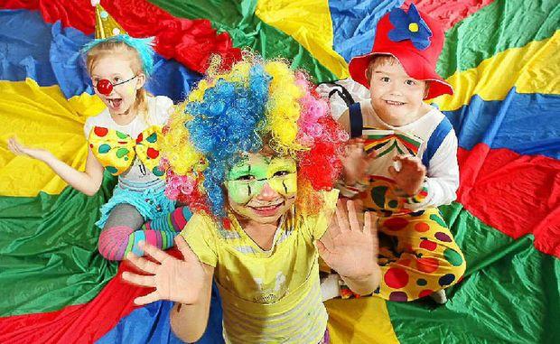 paruky na karneval